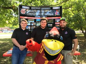 Associated General Contractors (AGC) grabs a picture with ISU mascot Cy (Photo by Larry Cormicle)